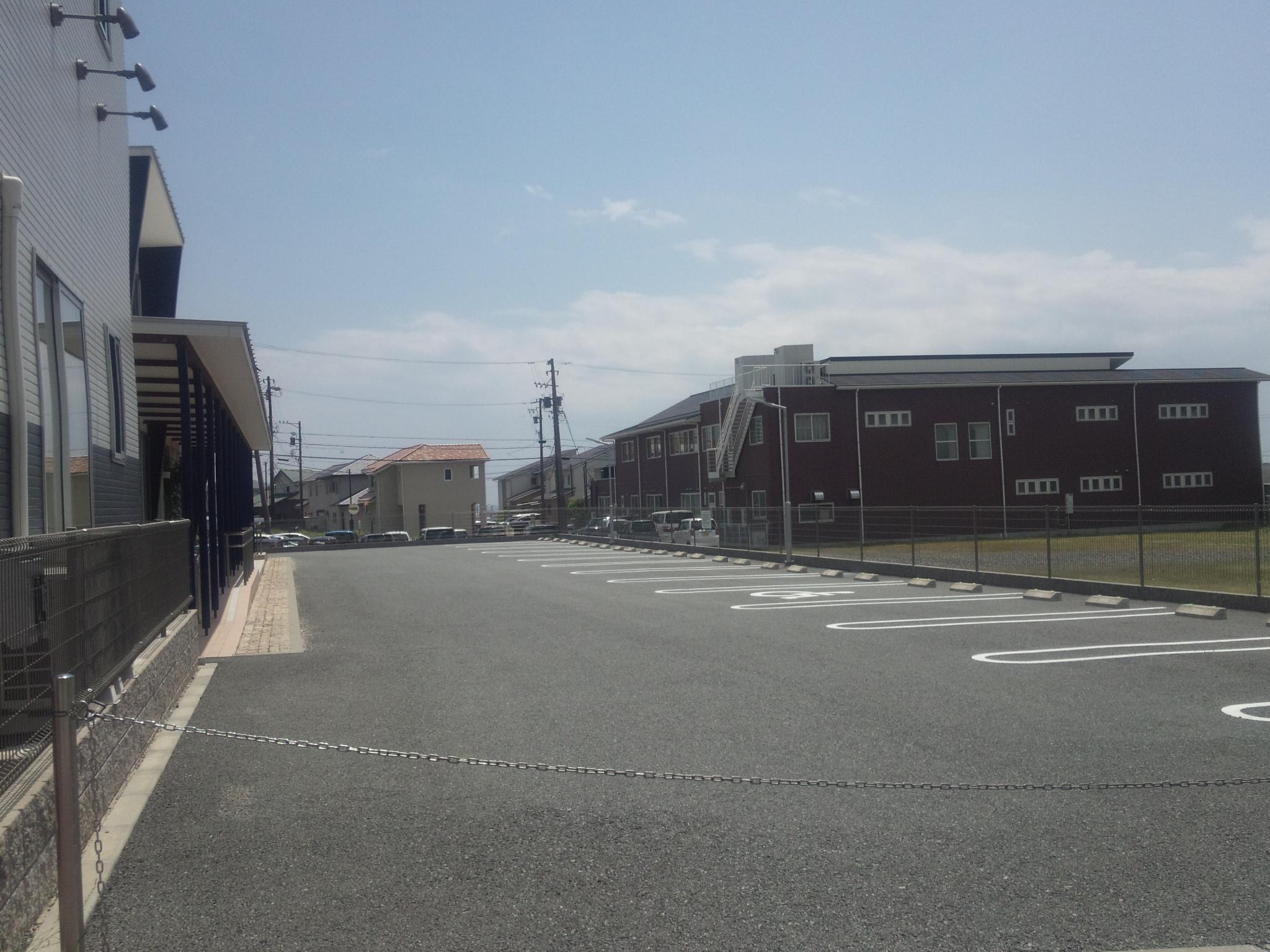 杜の街調剤薬局の駐車場
