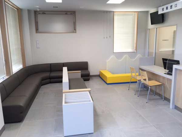 志都美薬局の待合室