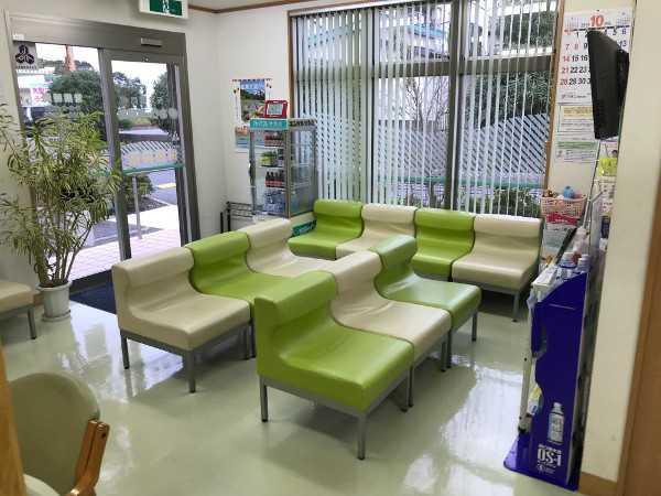 おりーぶ薬局の待合室